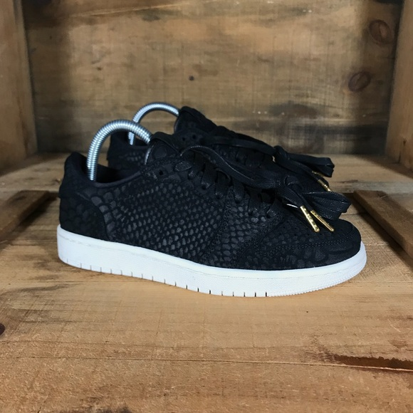 competitive price 124fd 1d84b NEW Air Jordan 1 Retro Low NRG Black Python